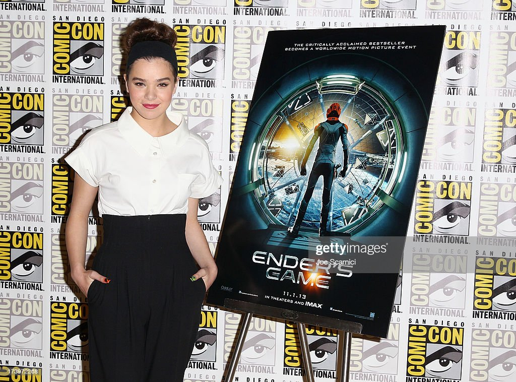 Actress <a gi-track='captionPersonalityLinkClicked' href=/galleries/search?phrase=Hailee+Steinfeld&family=editorial&specificpeople=7223409 ng-click='$event.stopPropagation()'>Hailee Steinfeld</a> attends 'Ender's Game' Comic-Con Press Line at San Diego Convention Center on July 18, 2013 in San Diego, California.
