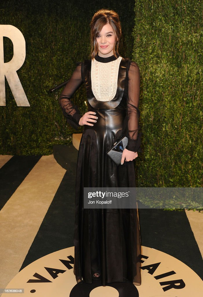 Actress Hailee Steinfeld attends the 2013 Vanity Fair Oscar party at Sunset Tower on February 24, 2013 in West Hollywood, California.