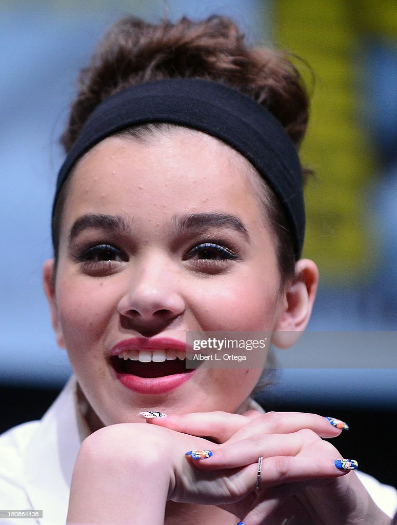 Actress <a gi-track='captionPersonalityLinkClicked' href=/galleries/search?phrase=Hailee+Steinfeld&family=editorial&specificpeople=7223409 ng-click='$event.stopPropagation()'>Hailee Steinfeld</a> participates in Summit Entertainment's 'Divergent' and 'Ender's Game' panels on Day 1 of the 2013 Comic-Con International held at San Diego Convention Center on Thursday July 18, 2012 in San Diego, California.