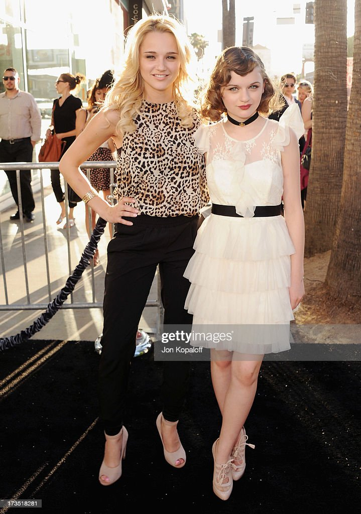 Actress Haley King and sister actress Joey King arrive at the Los Angeles Premiere 'The Conjuring' at ArcLight Cinemas Cinerama Dome on July 15, 2013 in Hollywood, California.