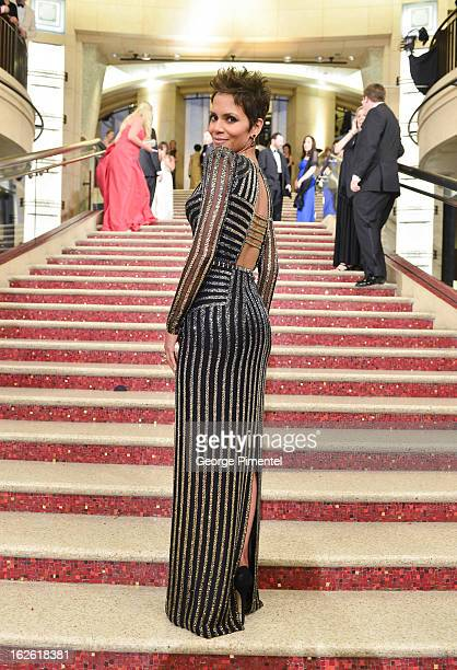 Actress Halle Berry arrive at the Oscars at Hollywood Highland Center on February 24 2013 in Hollywood California at Hollywood Highland Center on...