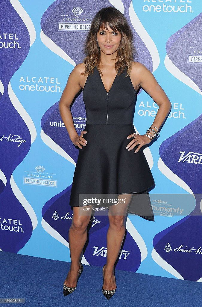 Actress <a gi-track='captionPersonalityLinkClicked' href=/galleries/search?phrase=Halle+Berry&family=editorial&specificpeople=201726 ng-click='$event.stopPropagation()'>Halle Berry</a> arrives at the 2nd Annual Unite4:humanity Event at The Beverly Hilton Hotel on February 19, 2015 in Beverly Hills, California.