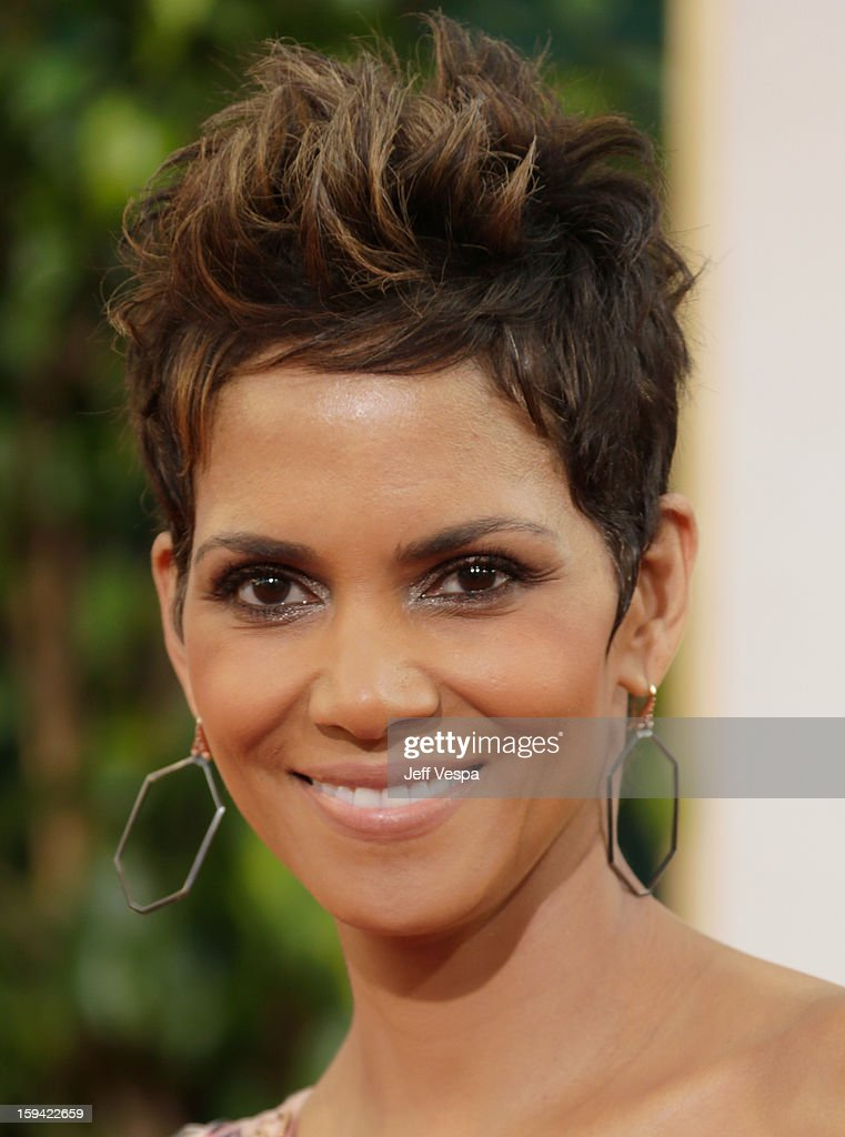 Actress <a gi-track='captionPersonalityLinkClicked' href=/galleries/search?phrase=Halle+Berry&family=editorial&specificpeople=201726 ng-click='$event.stopPropagation()'>Halle Berry</a> arrives at the 70th Annual Golden Globe Awards held at The Beverly Hilton Hotel on January 13, 2013 in Beverly Hills, California.