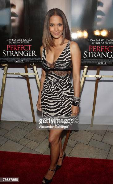 Actress Halle Berry arrives at the premiere of ''Perfect Stranger'' at the Shops at Sunset Place on March 19 2007 in Miami Florida