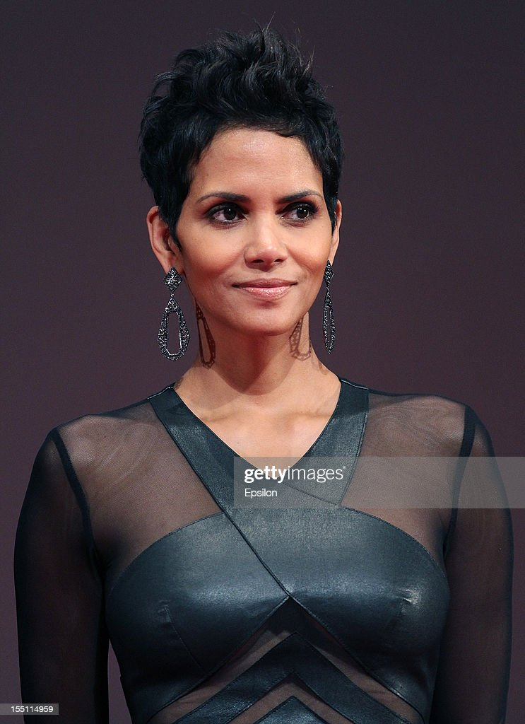 Actress Halle Berry arrives at the premiere of Warner Bros. Pictures' 'Cloud Atlas' in Oktyabr cinema hall on November 1, 2012 in Moscow, Russia.