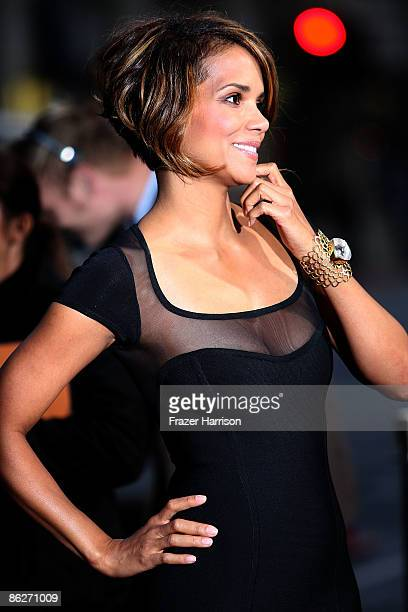 Actress Halle Berry arrives at the Screening Of 20th Century Fox's 'XMen Origins Wolverine' on April 28 2009 at the Gruman's Manns Chinese Theater in...