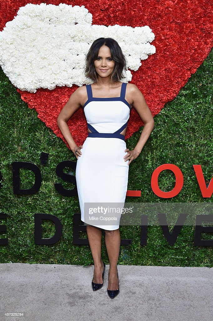 Actress Halle Berry attends God's Love We Deliver Golden Heart Awards on October 16 2014 in New York City