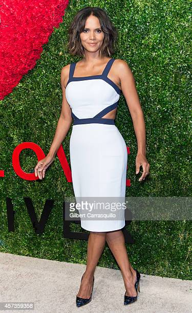 Actress Halle Berry attends the 2014 God's Love We Deliver Golden Heart Awards at Spring Studios on October 16 2014 in New York City