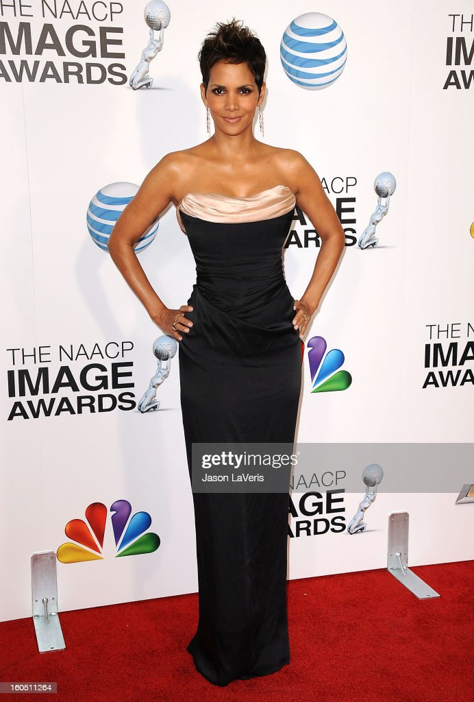 Actress <a gi-track='captionPersonalityLinkClicked' href=/galleries/search?phrase=Halle+Berry&family=editorial&specificpeople=201726 ng-click='$event.stopPropagation()'>Halle Berry</a> attends the 44th NAACP Image Awards at The Shrine Auditorium on February 1, 2013 in Los Angeles, California.