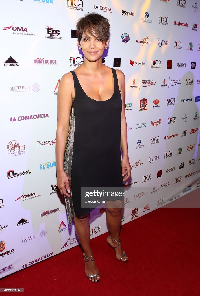 Actress Halle Berry attends the closing of the 9th annual Acapulco Film Festival after party on January 29 2014 in Acapulco Mexico