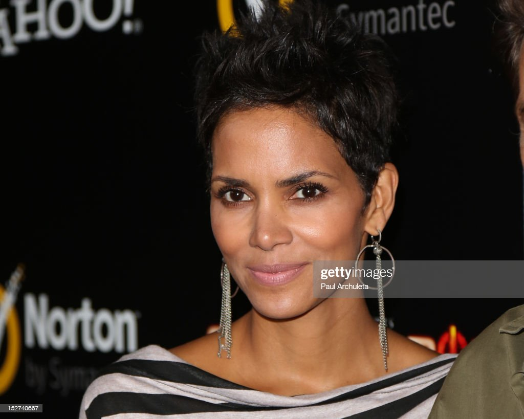 Actress <a gi-track='captionPersonalityLinkClicked' href=/galleries/search?phrase=Halle+Berry&family=editorial&specificpeople=201726 ng-click='$event.stopPropagation()'>Halle Berry</a> attends the 'Cybergeddon' premiere at the Pacific Design Center on September 24, 2012 in West Hollywood, California.
