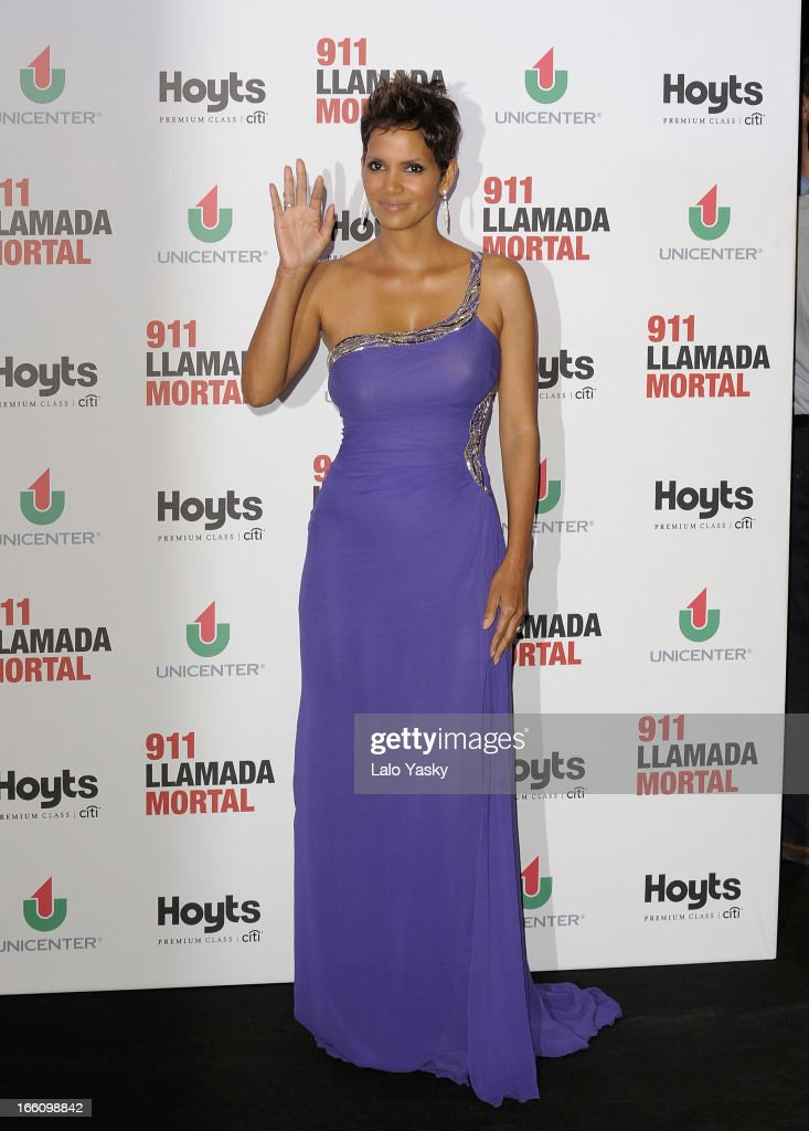 Actress Halle Berry attends the premiere of 'The Call' at Hoyts Cinemas on April 8, 2013 in Buenos Aires, Argentina.