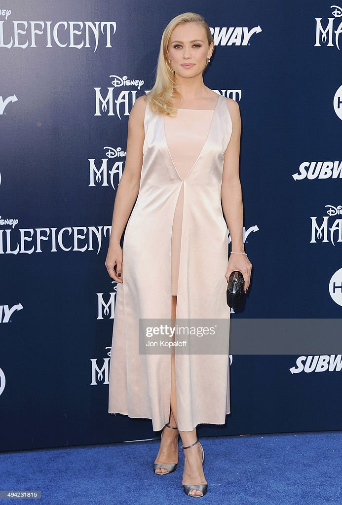 Actress <a gi-track='captionPersonalityLinkClicked' href=/galleries/search?phrase=Hannah+New&family=editorial&specificpeople=8671957 ng-click='$event.stopPropagation()'>Hannah New</a> arrives at the Los Angeles Premiere 'Maleficent' at the El Capitan Theatre on May 28, 2014 in Hollywood, California.