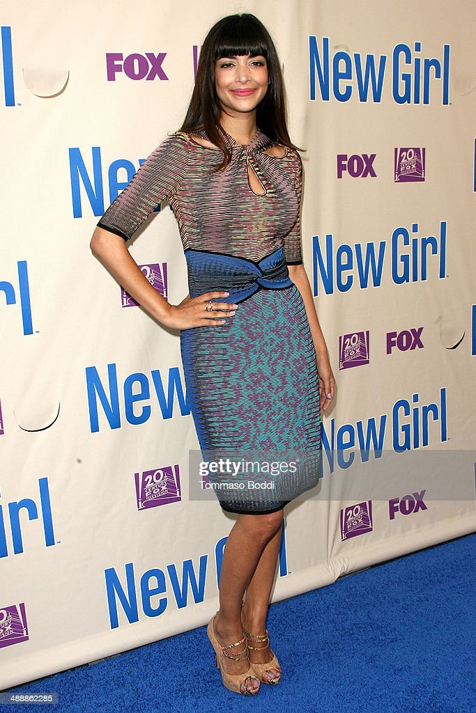 Actress <a gi-track='captionPersonalityLinkClicked' href=/galleries/search?phrase=Hannah+Simone&family=editorial&specificpeople=3291351 ng-click='$event.stopPropagation()'>Hannah Simone</a> attends the 'New Girl' Season 3 Finale screening and cast Q&A held at the Zanuck Theater at 20th Century Fox Lot on May 8, 2014 in Los Angeles, California.
