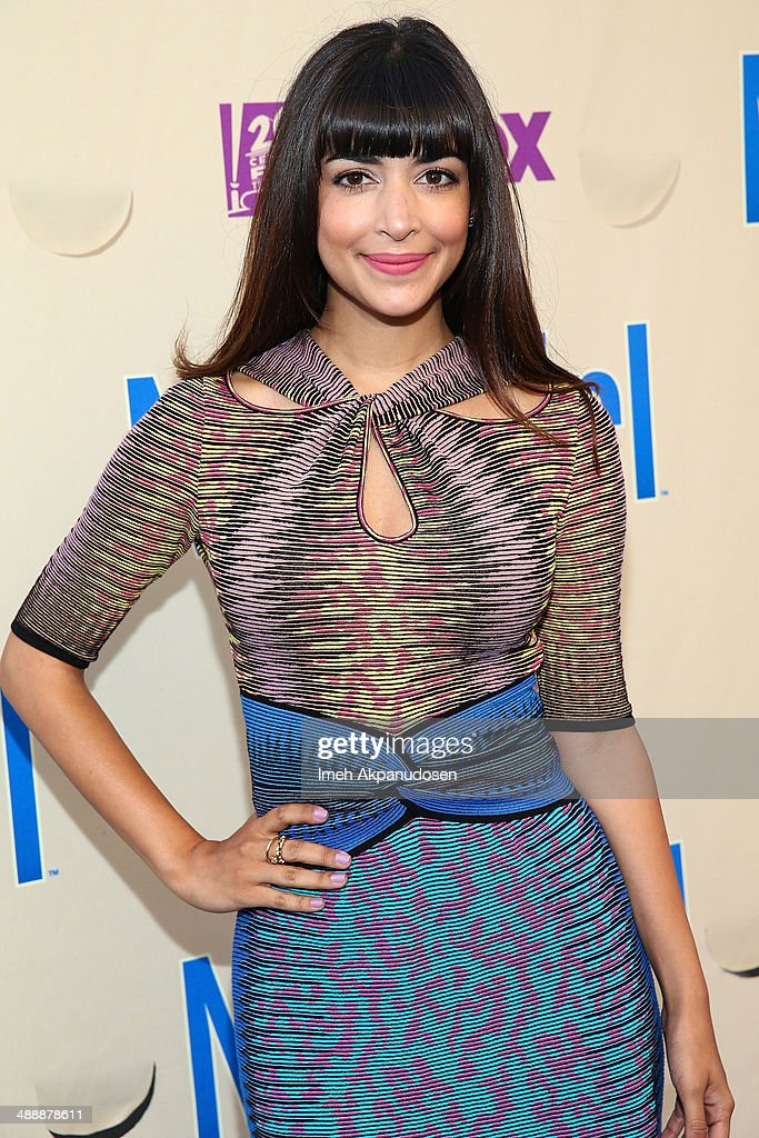 Actress <a gi-track='captionPersonalityLinkClicked' href=/galleries/search?phrase=Hannah+Simone&family=editorial&specificpeople=3291351 ng-click='$event.stopPropagation()'>Hannah Simone</a> attends the 'New Girl' Season 3 Finale Screening and cast Q&A at Zanuck Theater at 20th Century Fox Lot on May 8, 2014 in Los Angeles, California.