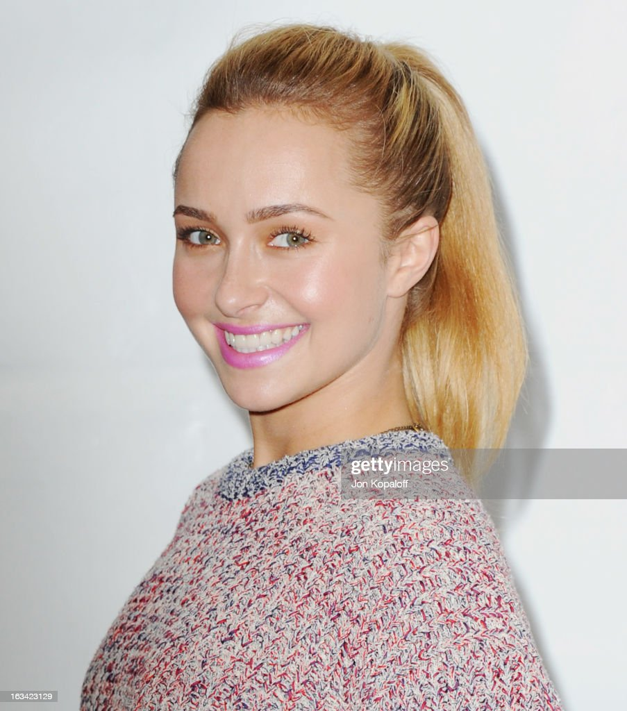 Actress <a gi-track='captionPersonalityLinkClicked' href=/galleries/search?phrase=Hayden+Panettiere&family=editorial&specificpeople=204227 ng-click='$event.stopPropagation()'>Hayden Panettiere</a> arrives at 'Nashville' part of the 30th Annal William S. Paley Television Festival at Saban Theatre on March 9, 2013 in Beverly Hills, California.