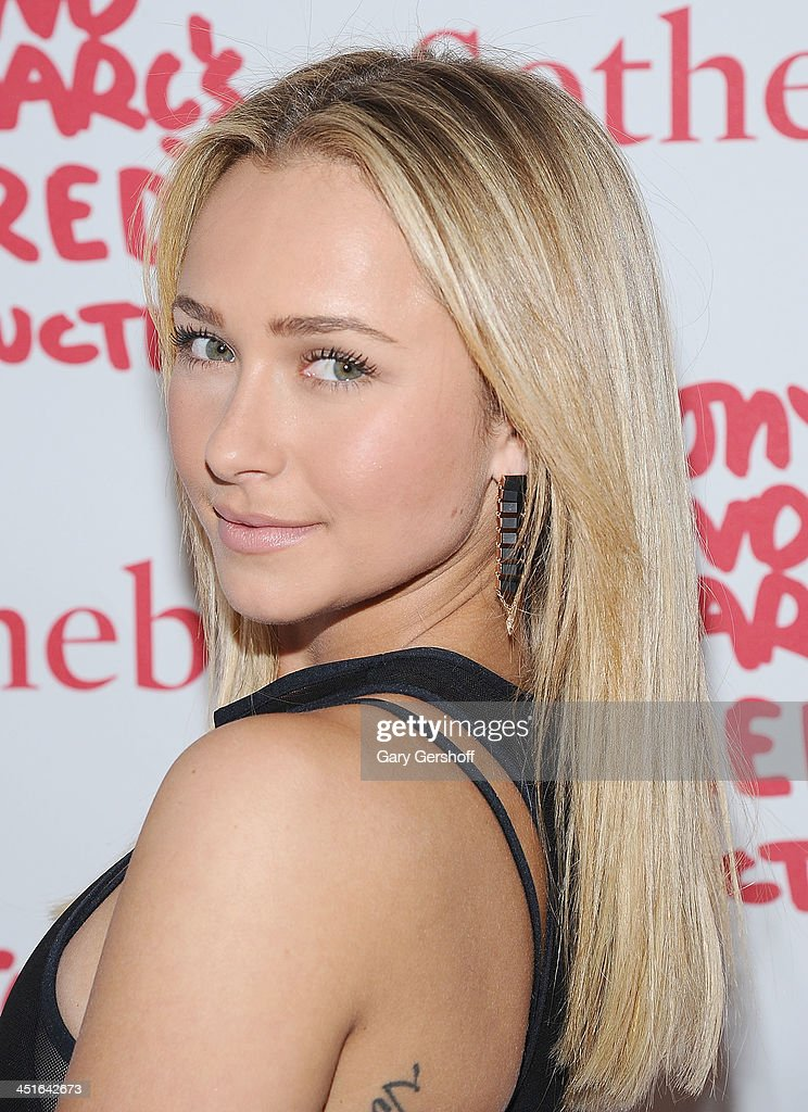 Actress <a gi-track='captionPersonalityLinkClicked' href=/galleries/search?phrase=Hayden+Panettiere&family=editorial&specificpeople=204227 ng-click='$event.stopPropagation()'>Hayden Panettiere</a> attends the 2013 (RED) Auction Celebrating Masterworks Of Design and Innovation at Sotheby's on November 23, 2013 in New York City.
