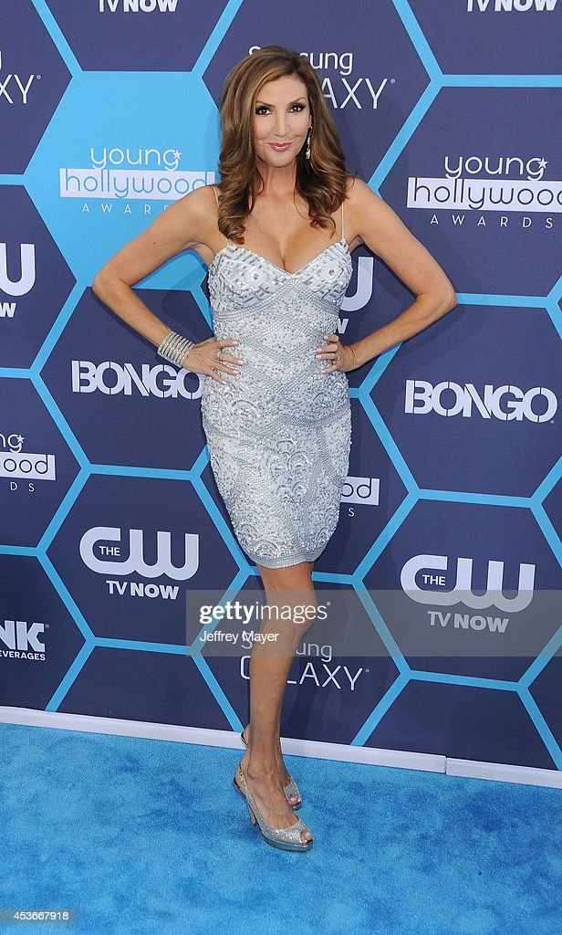 Actress <a gi-track='captionPersonalityLinkClicked' href=/galleries/search?phrase=Heather+McDonald&family=editorial&specificpeople=4756128 ng-click='$event.stopPropagation()'>Heather McDonald</a> arrives at the 16th Annual Young Hollywood Awards at The Wiltern on July 27, 2014 in Los Angeles, California.