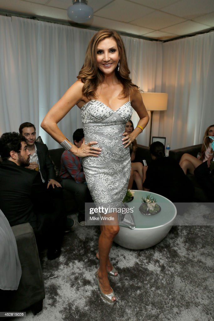 Actress <a gi-track='captionPersonalityLinkClicked' href=/galleries/search?phrase=Heather+McDonald&family=editorial&specificpeople=4756128 ng-click='$event.stopPropagation()'>Heather McDonald</a> in the green room at the 2014 Young Hollywood Awards brought to you by Samsung Galaxy at The Wiltern on July 27, 2014 in Los Angeles, California. The Young Hollywood Awards will air on Monday, July 28 8/7c on The CW.