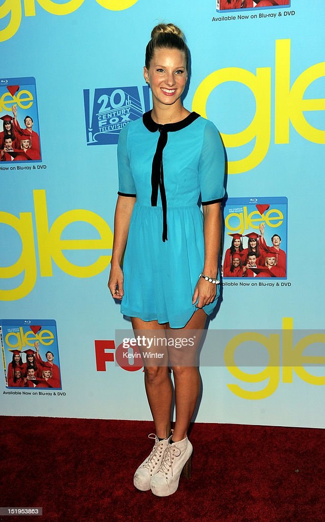 Actress Heather Morris arrives at the premiere of Fox Television's 'Glee' at Paramount Studios on September 12, 2012 in Los Angeles, California.