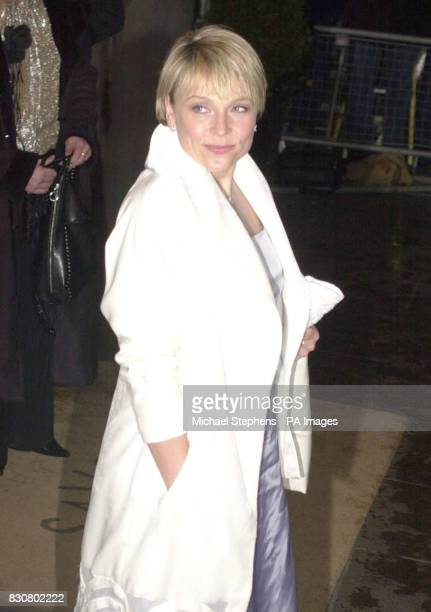 Actress Helen Fielding arriving at the Evening Standard Film Awards 2002 at The Savoy in London The annual awards recognise the achievements in...