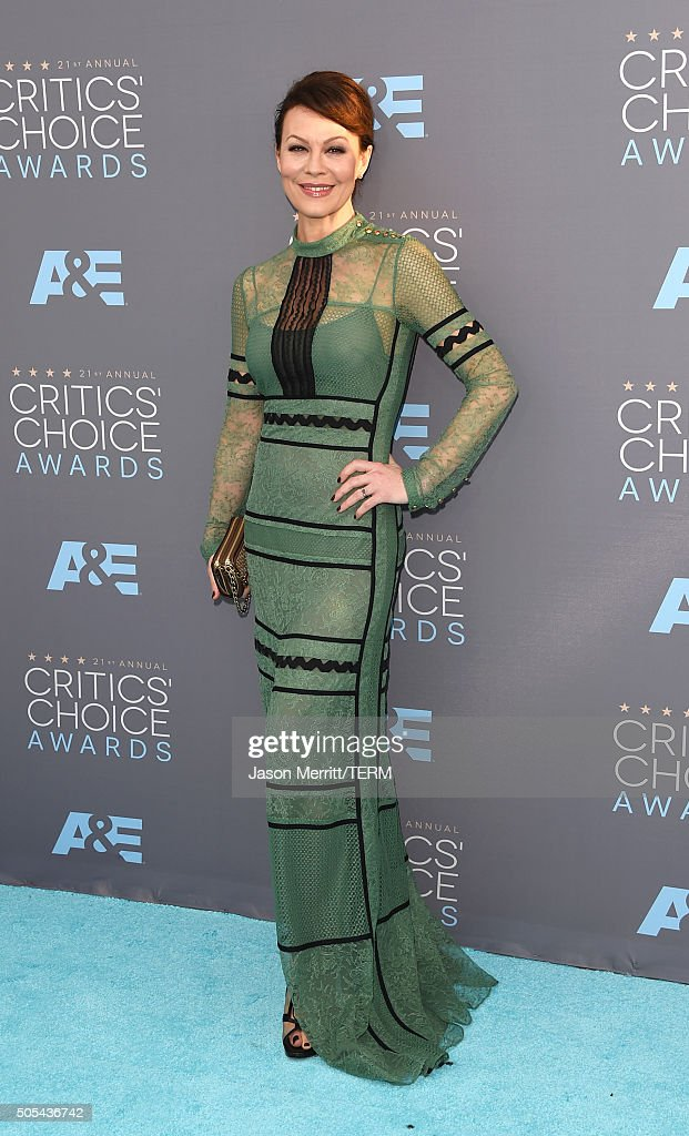 Actress <a gi-track='captionPersonalityLinkClicked' href=/galleries/search?phrase=Helen+McCrory&family=editorial&specificpeople=214616 ng-click='$event.stopPropagation()'>Helen McCrory</a> attends the 21st Annual Critics' Choice Awards at Barker Hangar on January 17, 2016 in Santa Monica, California.
