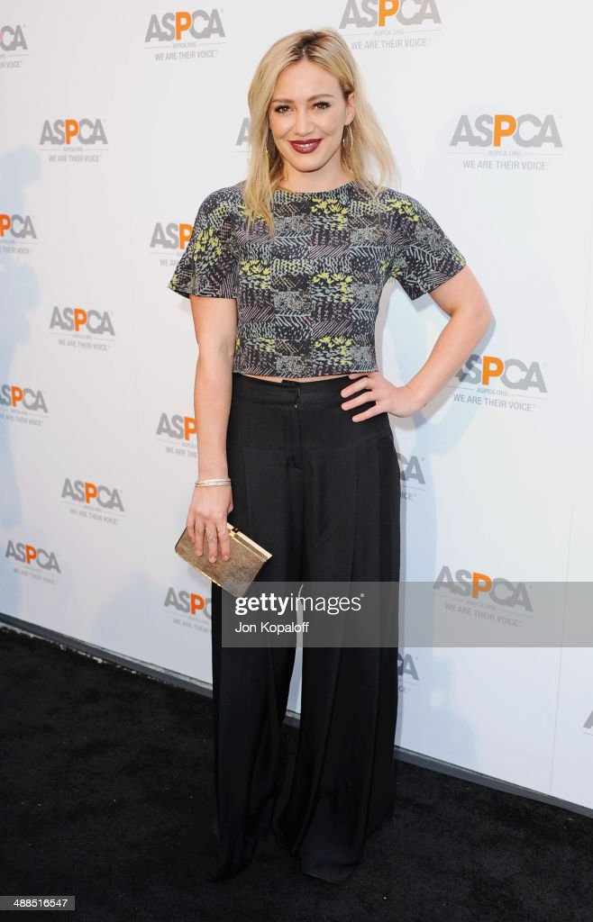 Actress <a gi-track='captionPersonalityLinkClicked' href=/galleries/search?phrase=Hilary+Duff&family=editorial&specificpeople=201586 ng-click='$event.stopPropagation()'>Hilary Duff</a> arrives at The American Society For The Prevention Of Cruelty To Animals Celebrity Cocktail Party on May 6, 2014 in Beverly Hills, California.