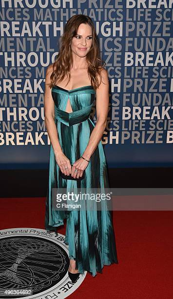 Actress Hilary Swank arrives at the 3rd Annual Breakthrough Prize Award Ceremony at NASA Ames Research Center on November 8 2015 in Mountain View...