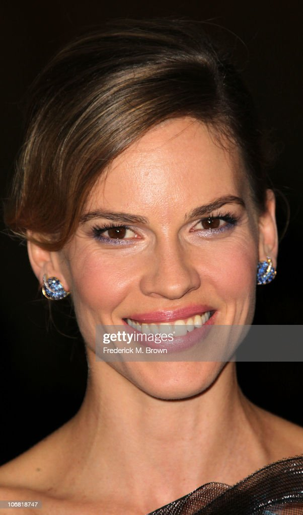 Actress <a gi-track='captionPersonalityLinkClicked' href=/galleries/search?phrase=Hilary+Swank&family=editorial&specificpeople=201692 ng-click='$event.stopPropagation()'>Hilary Swank</a> attends the Academy of Motion Picture Arts and Sciences' second annual Governors Awards at the Grand Ballroom, Hollywood and Highland on November 13, 2010 in Los Angeles, California.