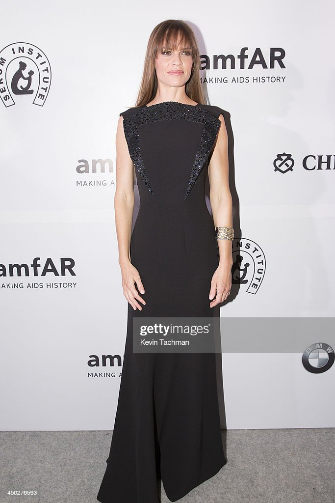 Actress <a gi-track='captionPersonalityLinkClicked' href=/galleries/search?phrase=Hilary+Swank&family=editorial&specificpeople=201692 ng-click='$event.stopPropagation()'>Hilary Swank</a> attends the inaugural amfAR India event at the Taj Mahal Palace Mumbai on November 17, 2013 in Mumbai, India.