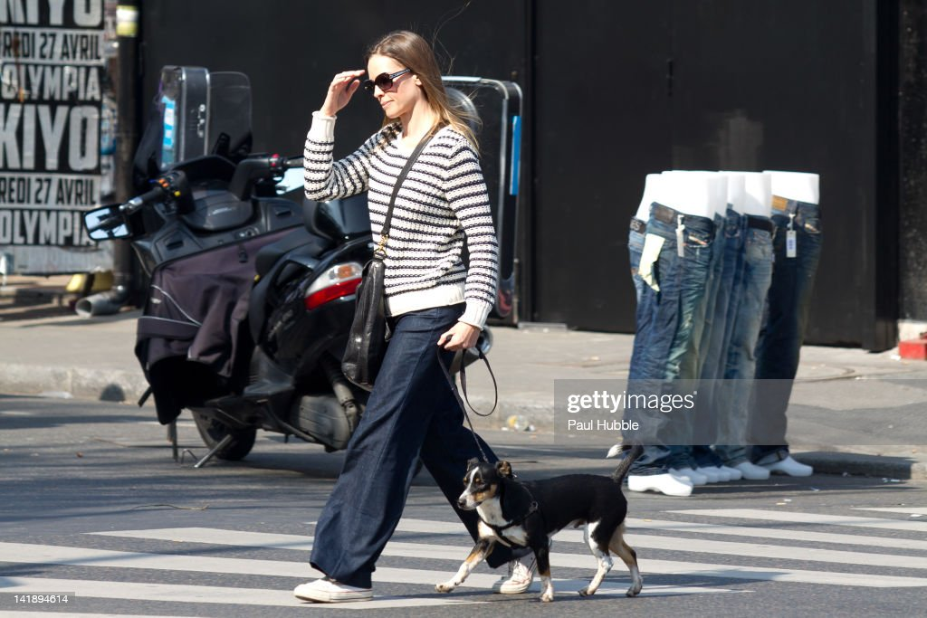 Actress Hilary Swank is sighted at the 'Vernaison' flea market on March 25, 2012 in Paris, France.