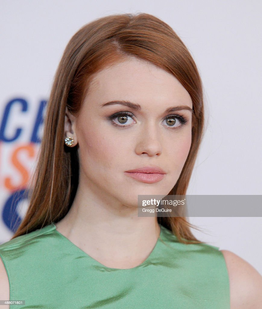 Actress <a gi-track='captionPersonalityLinkClicked' href=/galleries/search?phrase=Holland+Roden&family=editorial&specificpeople=5578822 ng-click='$event.stopPropagation()'>Holland Roden</a> arrives at the 21st Annual Race To Erase MS Gala at the Hyatt Regency Century Plaza on May 2, 2014 in Century City, California.