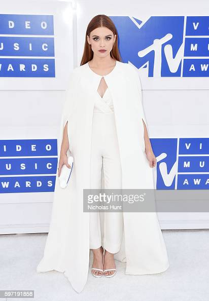 actress-holland-roden-attends-the-2016-mtv-video-music-awards-at-picture-id597191858