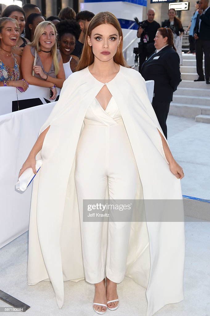 Actress Holland Roden attends the 2016 MTV Video Music Awards at Madison Square Garden on August 28 2016 in New York City