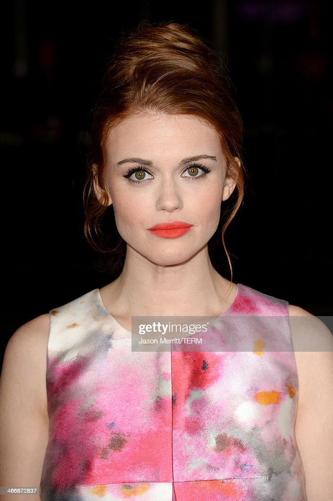 Actress <a gi-track='captionPersonalityLinkClicked' href=/galleries/search?phrase=Holland+Roden&family=editorial&specificpeople=5578822 ng-click='$event.stopPropagation()'>Holland Roden</a> attends the premiere of The Weinstein Company's 'Vampire Academy' at Regal Cinemas L.A. Live on February 4, 2014 in Los Angeles, California.
