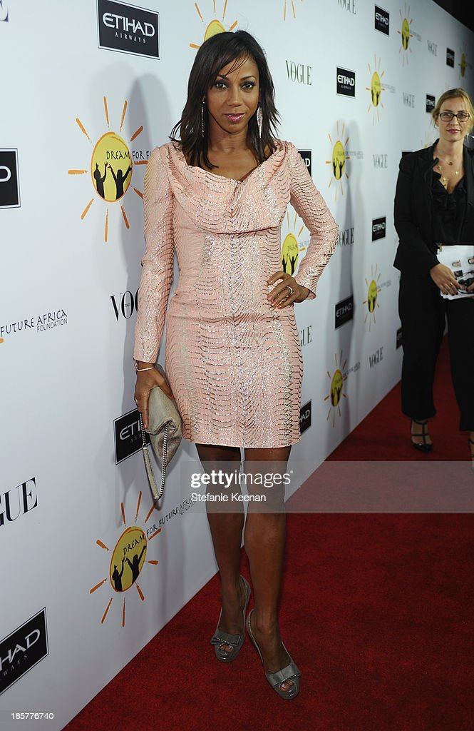 Actress Holly Robinson Peete attends Dream for Future Africa Foundation Inaugural Gala honoring Franca Sozzani of VOGUE Italia at Spago on October 24, 2013 in Beverly Hills, California.
