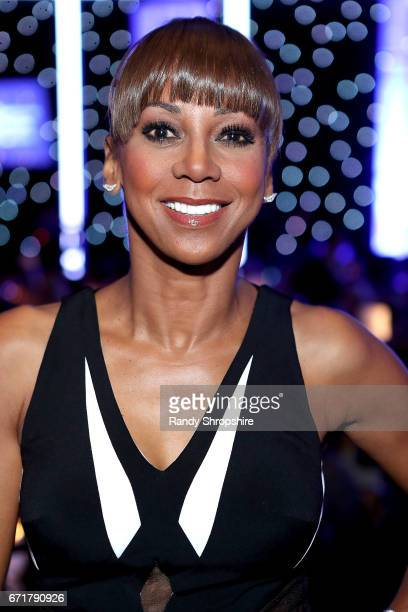 Actress Holly Robinson Peete attends JDRF LA's IMAGINE Gala to benefit type 1 diabetes research at The Beverly Hilton on April 22 2017 in Beverly...
