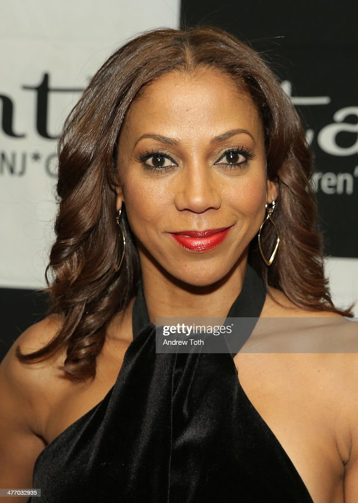 Actress <a gi-track='captionPersonalityLinkClicked' href=/galleries/search?phrase=Holly+Robinson+Peete&family=editorial&specificpeople=213716 ng-click='$event.stopPropagation()'>Holly Robinson Peete</a> attends the 29th Annual Starlight Children's Foundation at Marriott Marquis Hotel on March 6, 2014 in New York City.