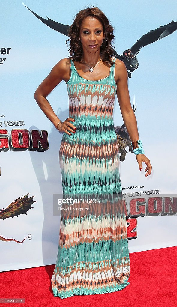 Actress <a gi-track='captionPersonalityLinkClicked' href=/galleries/search?phrase=Holly+Robinson+Peete&family=editorial&specificpeople=213716 ng-click='$event.stopPropagation()'>Holly Robinson Peete</a> attends the premiere of Twentieth Century Fox and DreamWorks Animation 'How to Train Your Dragon 2' at the Regency Village Theatre on June 8, 2014 in Westwood, California.