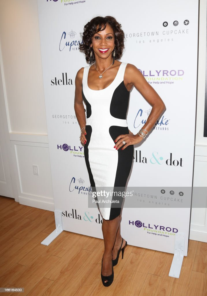 Actress Holly Robinson Peete attends the Stella & Dot VIP Trunk Show benefiting The HollyRod Foundation at Georgetown Cupcake Los Angeles on April 8, 2013 in Los Angeles, California.