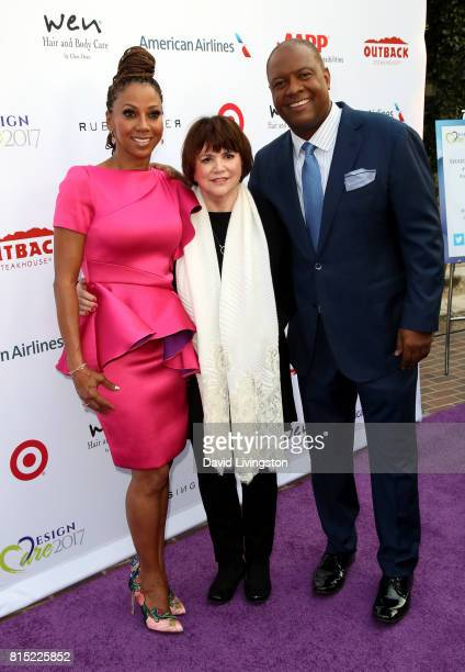 Actress Holly Robinson Peete singer Linda Ronstadt and former NFL player Rodney Peete attend the 19th Annual DesignCare 2017 at Private Residence on...