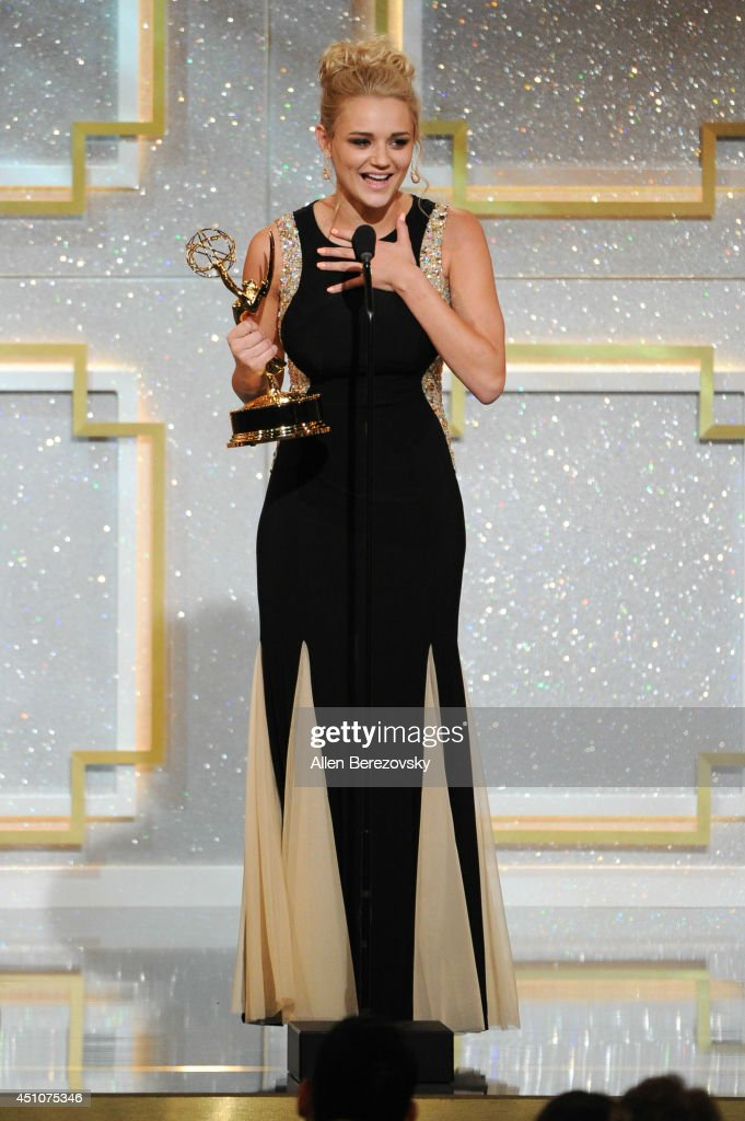 Actress <a gi-track='captionPersonalityLinkClicked' href=/galleries/search?phrase=Hunter+King&family=editorial&specificpeople=9938218 ng-click='$event.stopPropagation()'>Hunter King</a> accepts Outstanding Younger Actress in a Drama Series for 'The Young and the Restless' Emmy Award onstage during the 41st Annual Daytime Emmy Awards at The Beverly Hilton Hotel on June 22, 2014 in Beverly Hills, California.