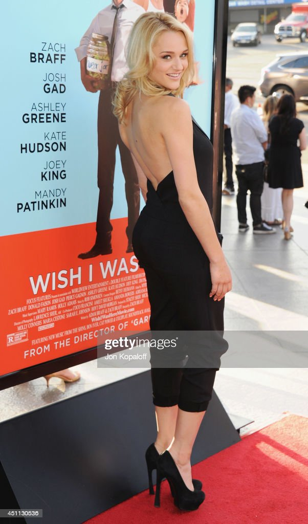 Actress <a gi-track='captionPersonalityLinkClicked' href=/galleries/search?phrase=Hunter+King&family=editorial&specificpeople=9938218 ng-click='$event.stopPropagation()'>Hunter King</a> arrives at the Los Angeles Premiere 'Wish I Was Here' at the DGA on June 23, 2014 in Hollywood, California.