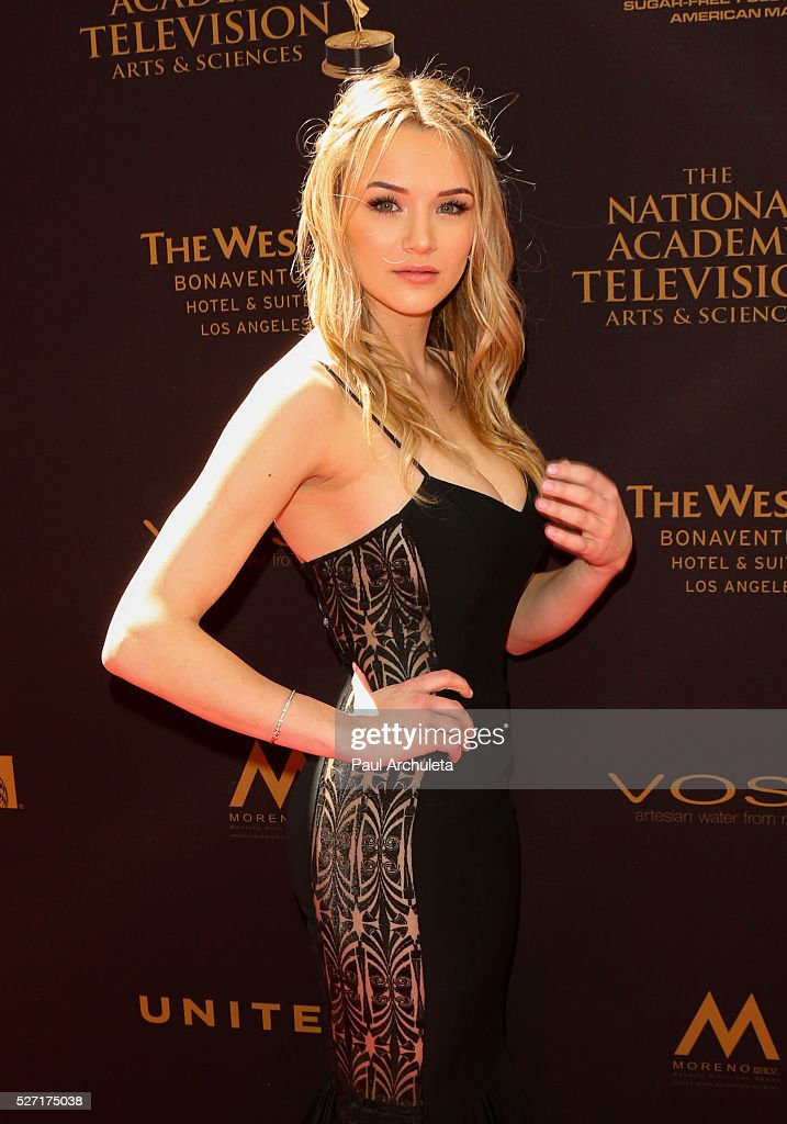 Actress <a gi-track='captionPersonalityLinkClicked' href=/galleries/search?phrase=Hunter+King&family=editorial&specificpeople=9938218 ng-click='$event.stopPropagation()'>Hunter King</a> attends the 2016 Daytime Emmy Awards at The Westin Bonaventure Hotel on May 1, 2016 in Los Angeles, California.