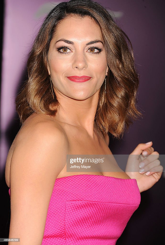 Actress <a gi-track='captionPersonalityLinkClicked' href=/galleries/search?phrase=Inbar+Lavi&family=editorial&specificpeople=7810087 ng-click='$event.stopPropagation()'>Inbar Lavi</a> arrives at the Los Angeles premiere of 'Need For Speed' at TCL Chinese Theatre on March 6, 2014 in Hollywood, California.