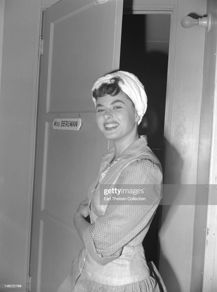 Actress <a gi-track='captionPersonalityLinkClicked' href=/galleries/search?phrase=Ingrid+Bergman&family=editorial&specificpeople=70003 ng-click='$event.stopPropagation()'>Ingrid Bergman</a> poses for a portrait outside her dressing room in 1942 in Los Angeles, California.