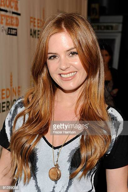 Actress Isla Fisher arrives at the Rock A Little Feed Alot benefit concert held at Club Nokia on September 29 2009 in Los Angeles California