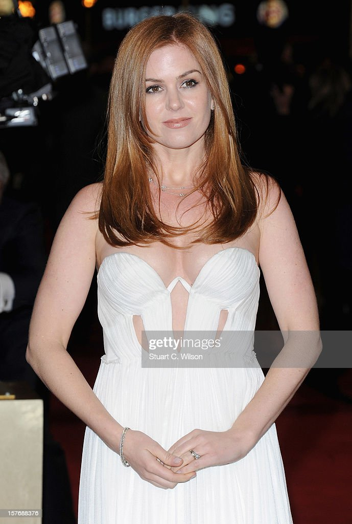 Actress Isla Fisher attends the 'Les Miserables' World Premiere at the Odeon Leicester Square on December 5, 2012 in London, England.
