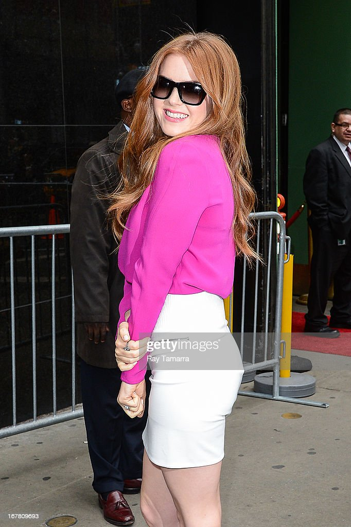 Actress Isla Fisher leaves the 'Good Morning America' taping at the ABC Times Square Studios on April 30, 2013 in New York City.