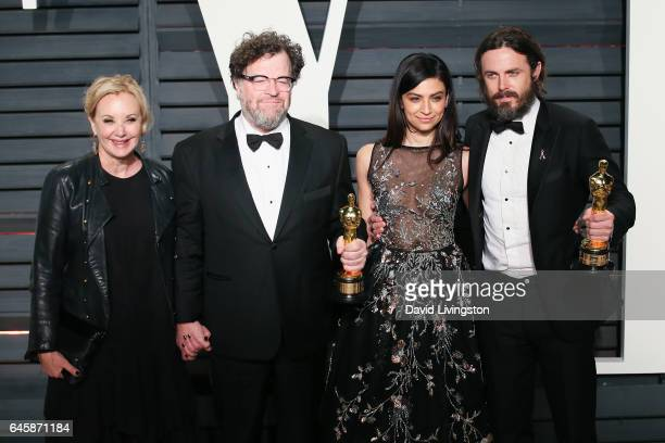 R Actress J SmithCameron writerdirector Kenneth Lonergan actor Floriana Lima and actor Casey Affleck attend the 2017 Vanity Fair Oscar Party hosted...